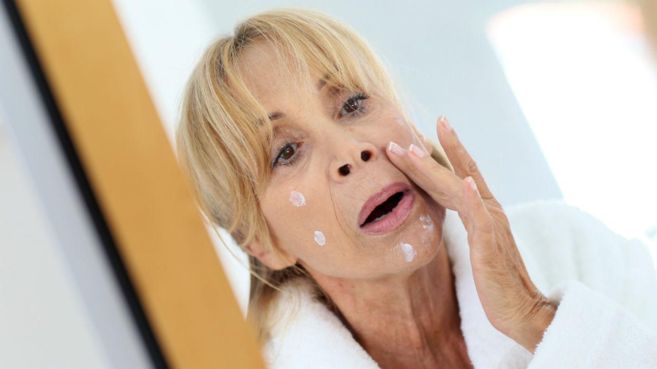 Menopauza si acneea