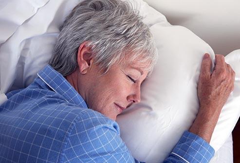 5 Moduri de a combate insomnia la menopauza