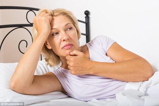 4 Obiceiuri care te pot ajuta sa previi transpiratiile nocturne