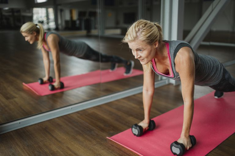 De ce este pilates benefic pentru femeile aflate la menopauza