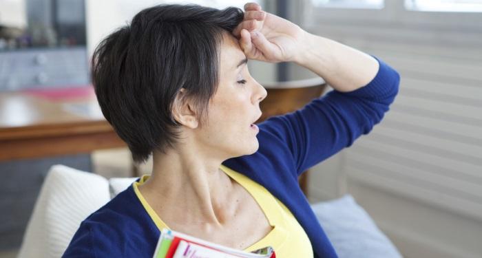 Adevarul despre transpiratiile frecvente din timpul menopauzei